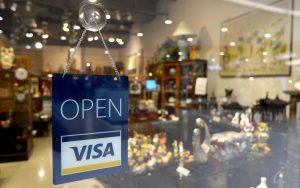 Firmen akzeptieren häufig Kreditkarten als Zahlungsmittel